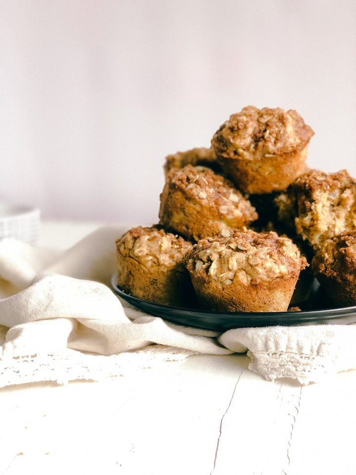 Apple Banana Muffins with cinnamon streusel topping | Simply Nourished Home