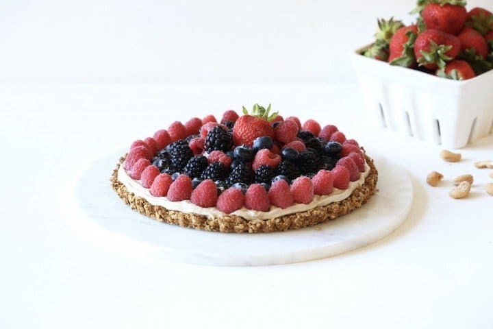 """Nutritious Make Ahead Breakfasts for Christmas Morning Round Up  Berry and Cashew Cream Dessert """"Pizza""""